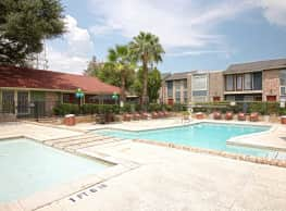 Lafayette Green Apartments & Town-Homes - Houston