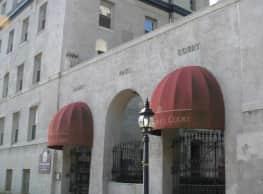 Saint Paul Court - Baltimore