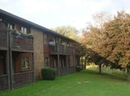 Little Falls Gardens Apartments & Fonda Townhouses - Little Falls