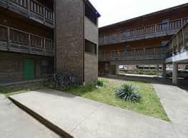 Bailey Apartments - Urbana