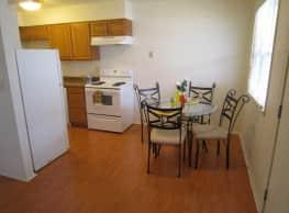 Lincolnwood Pinetree Apartments - Charleston