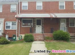 Freshly painted 2 bed/1.5 bath Townhouse in... - Baltimore