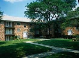 Dunhill Village Apartments - Forestville