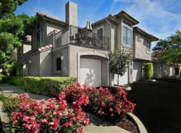 Le Provence Apartments - Fresno