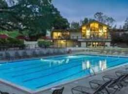 Oak Creek Apartments - Palo Alto