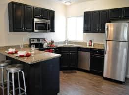 Auburn Creek Apartments - Victor