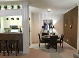 Live Oaks Apartment Homes - Baton Rouge