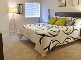 Waterford Downs Apartments - Saint Louis