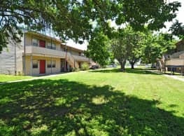 Rockport Oak Garden Apartments - Rockport