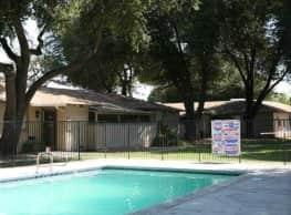 Evergreen Apartments - Fresno