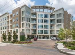 Sola Uptown at River Oaks - Houston