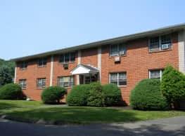 Marshfield Apartments - North Branford