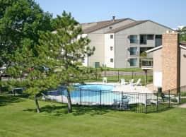 Woodlake Apartments - Sioux Falls
