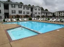 Hollygreen Apartments - Virginia Beach