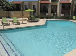 Spring Meadow Apartments - Glendale