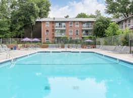 Lee Square Apartments - Falls Church