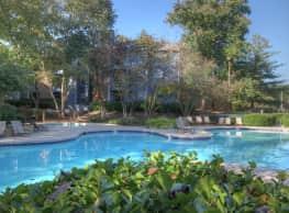 Landmark at Glenview Reserve Apartment Homes - Nashville