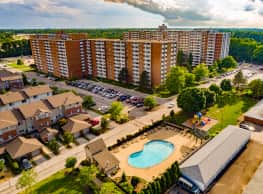 Pine Ridge Apartments - Willoughby Hills