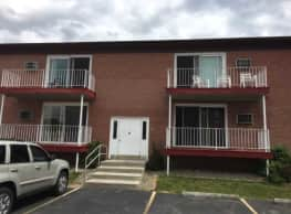 Queens Court Apartments - West Seneca
