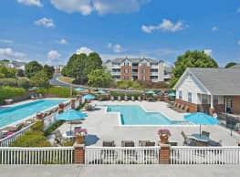 Glade Creek Apartments - Roanoke
