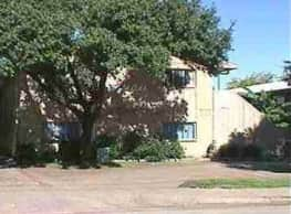 Luau Apartments - Dallas