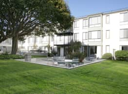 NorthPoint Apartments - San Francisco