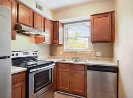 Avalon Apartments - Baton Rouge