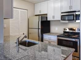 Shenandoah Crossing Apartment Homes - Fairfax
