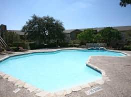 Lincoln Village - San Antonio