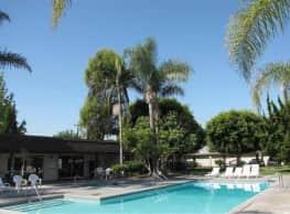 Chateau De Ville Apartments - Anaheim