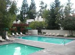 Linden Lane Apartments - Carmichael