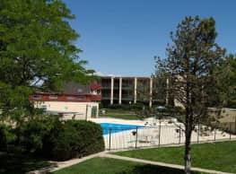 Belmont Square - Pueblo