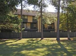Teakwood Village Apartments - Baton Rouge