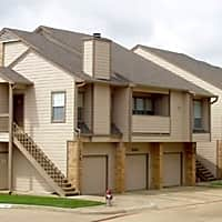 Broadmoor Villa Apartments - Irving, TX 75038