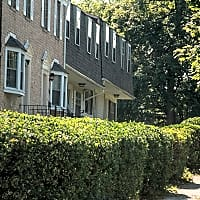 Walden Circle Townhomes - Woodlawn, MD 21207