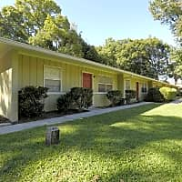 Village West Apartments - Gainesville, FL 32609