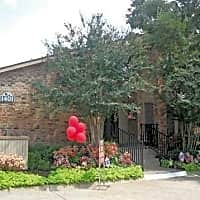 Tuscany Apartment Homes - Fort Worth, TX 76112
