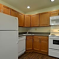 Spring Manor Apartments - Lancaster, PA 17603