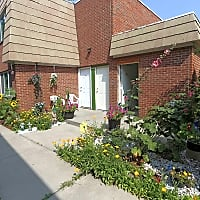 Royal Park Apartments And Heritage Commons - Niagara Falls, NY 14304
