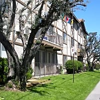 Greencourt Apartments - Van Nuys, CA 91405