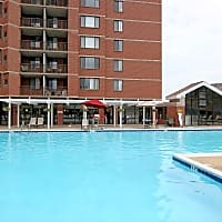 Courtland Towers - Arlington, VA 22201