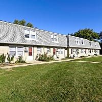 Stonebrook Townhome and Apartments - Anderson, IN 46013