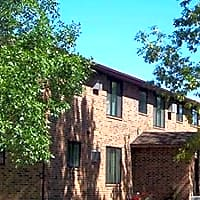 Circle E Apartments - Fargo, ND 58103