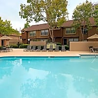 Oak Tree Court Apartment Homes - Placentia, CA 92870