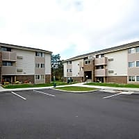 Royalwood Apartments - North Royalton, OH 44133