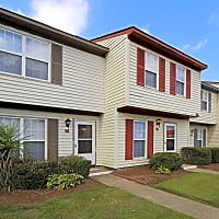 Pepperwood Townhomes - Portsmouth, VA 23703