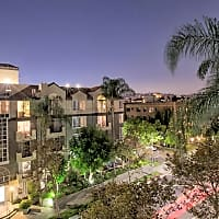 Essex Properties at Miracle Mile - Los Angeles, CA 90036