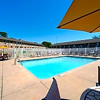 Wildwood Pool - Cedar Rapids, IA 52402