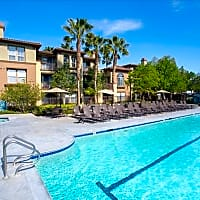 The Oaks Apartments - Santa Clarita, CA 91387