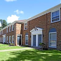 Colonial Park Townhomes - Euclid, OH 44143